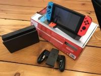 Nintendo Switch 32GB 1 Controle Joy-Con – Vermelho e Azul